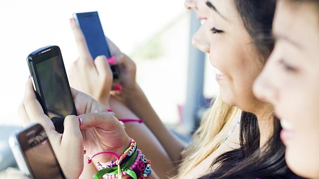 smartphone-gamers