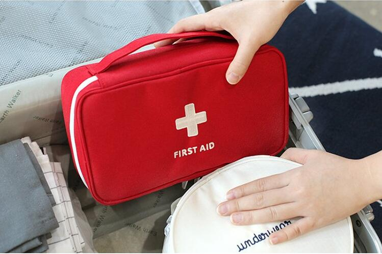 WHAT TO PACK IN A FIRST AID KIT WHEN TRAVELING
